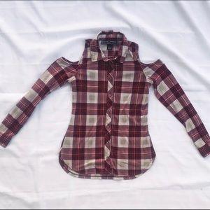 🍄Polly & Ester cold shoulder button down flannel